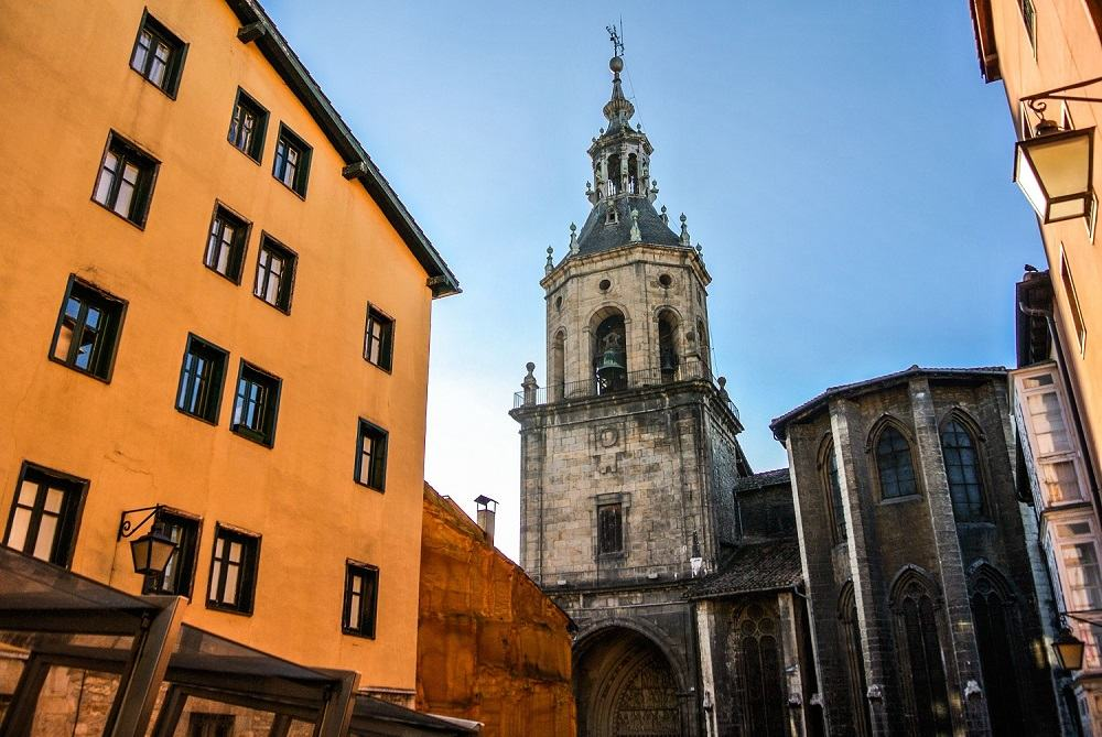 Vistas de la Catedral Santa María de Vitoria