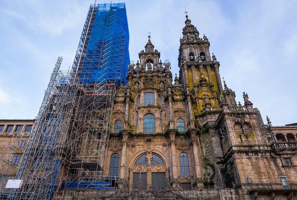 Andamios en la fachada del Obradoiro de la Catedral de Santiago de Compostela
